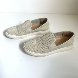 Vince Camuto Becker Slip On Leather Sneaker Size 6